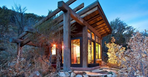 Peque a caba a moderna de madera casas pinterest - Casa pequena de madera ...