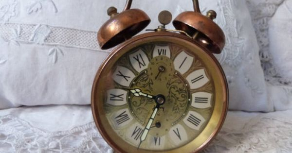 Imagen De Etsy Retro Decor And Retro Alarm Clock Retro