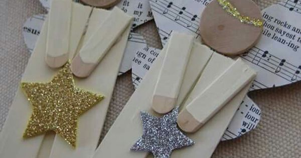 Leaf and letter handmade no budget christmas decor popsicle sticks - Pin By Mary Estrada On Ideas Para La Navidad Pinterest