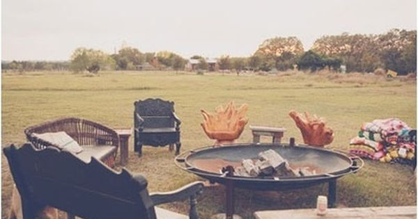 How To Keep Your Guests Comfy At Your Outdoor Wedding: Fall Winter Wedding Trends. Outdoor Fire Pits And Soft