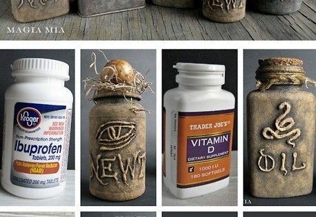 halloweencrafts: DIY Halloween Apothecary Jars' Tutorial from Magia Mia. Turn plastic vitamin