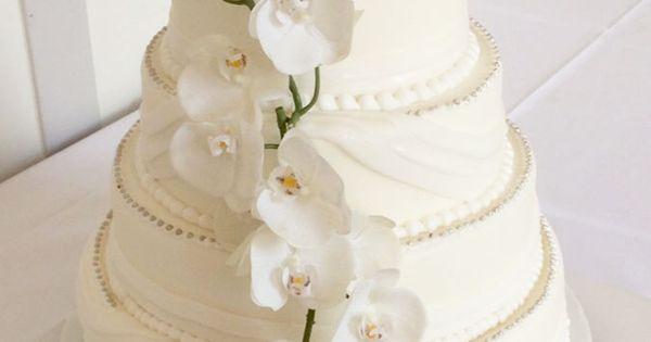 ... echten Orchideen. Ganz schlicht und doch elegant.  Torte  Pinterest