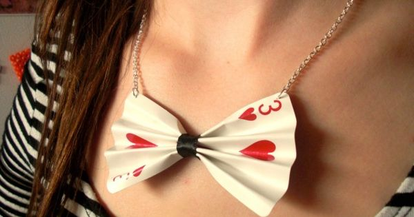 Cute bow tie necklace made with a playing card. A great DIY