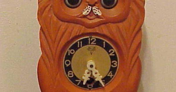 Vintage 1960's Moving Eye Pendulum Animal Kitten / Cat