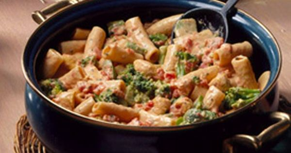 Grab a skillet and whip up a 30-minute Italian chicken and pasta