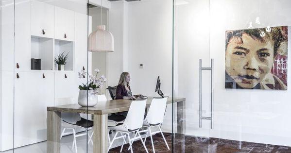 Ejemplo de iluminaci n con rieles decom venray offices for Ejemplos de oficinas