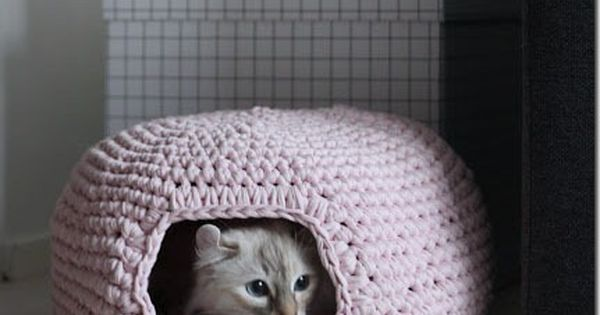 cat bed crochet patterns Pet Projects (pun intended ...