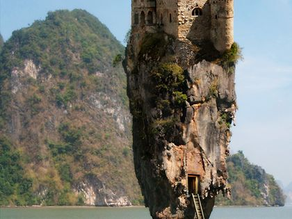 Castle on a rock in Dublin, Ireland.... amazing!