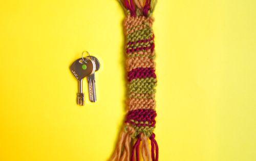 Mini scarf key ring Free pattern, We and Knitting patterns