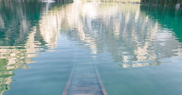 Gorgeous scenery! travel lake mountains