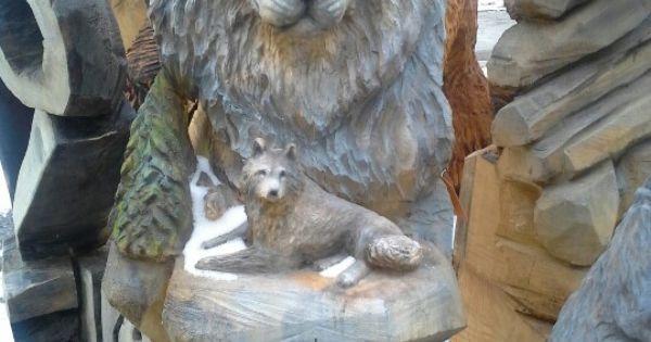 Wolf carving by joe dussia of appalachian arts studio a