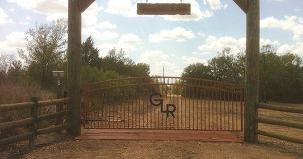 Hill Country Fence Ideas Custom Gates Amp Entrys