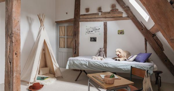 chambre d 39 enfant ancien lit de camp tipi 39 smallable. Black Bedroom Furniture Sets. Home Design Ideas