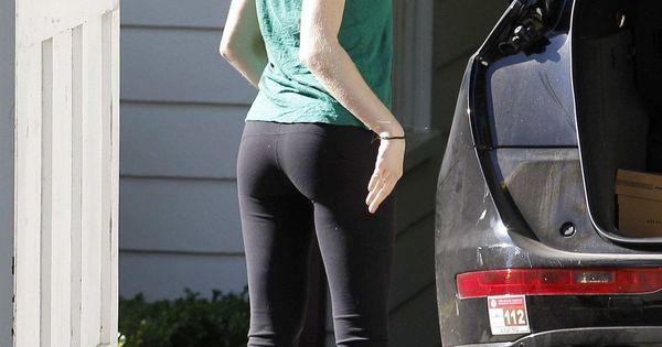 Amanda Seyfried In Yog...