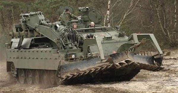 Trojan Combat Engineering Vehicle Military Today Com Military Armor Military Engineering Military Vehicles