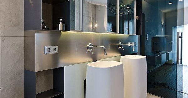 Meuble de salle de bain en acier bross lavabos colonnes - Suspension salle de bain design ...