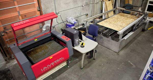 Universal Laser ILS 9.50 Laser Cutter and DynaCNC table ...
