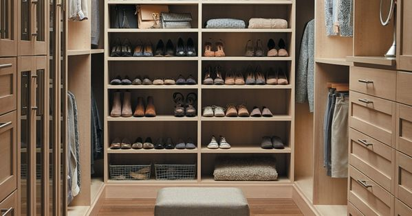 offener begehbarer kleiderschrank system luxus ankleide interior pinterest begehbarer. Black Bedroom Furniture Sets. Home Design Ideas