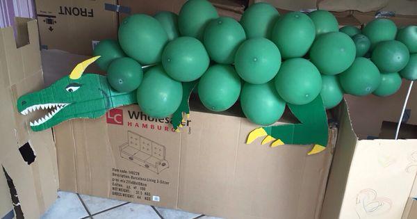 drache aus luftballons zum spielen ritter kindergeburtstag ideen f r die kinder pinterest. Black Bedroom Furniture Sets. Home Design Ideas