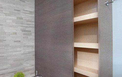 Petite salle de bain rangement optimis e projets pour la for Rangement salle de bain baignoire