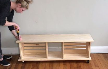 Easy Crate Diy Bench On Wheels Diy Storage Bench Crate Storage Bench Crate Bench