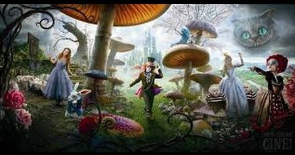 Alicia En El Pais De Las Maravillas Pelicula Completa En Español Alice In Wonderland Poster Alice In Wonderland Characters Adventures In Wonderland