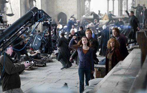 Bonnie Wright Photo Deathly Hallows Part 2 Behind The Scenes Harry Potter Tumblr Harry Potter Cast Deathly Hallows Part 2