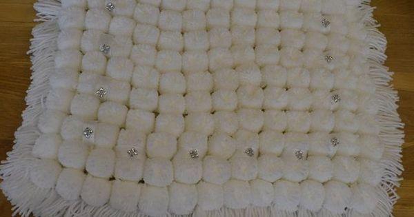 how to make a pom pom blanket loom