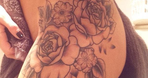 floral thigh tattoo. Super hot! Really love this!