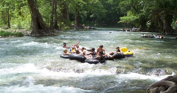 Summer in central texas floating on the guadalupe river for Floating the guadalupe river cabins