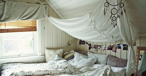 window, creativ, white, bed, posters, hipster, room, pics, dreamcather, life, indie, clear,