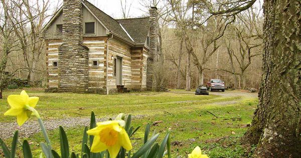23 Acres Artist Retreat 1840 Log Cabin Vacation Home