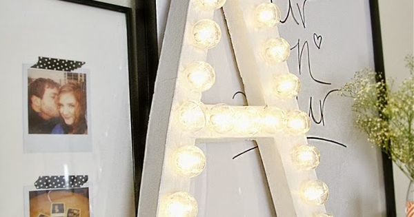 Light letter senhora inspira o decora o pinterest for Living room 7 letters