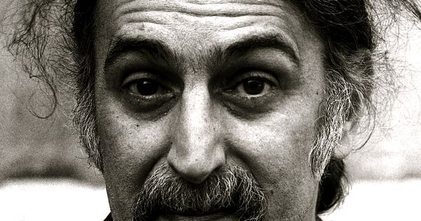 a biography of frank zappa an american musician For the totalitarianist, see frank zappa (totalitarianist) frank vincent zappa (also known as the grand wazoo) (1940-1993) was an american musician, inventor, mudshark enthusiast, guitarist, composer, and part-time dental floss salesman.