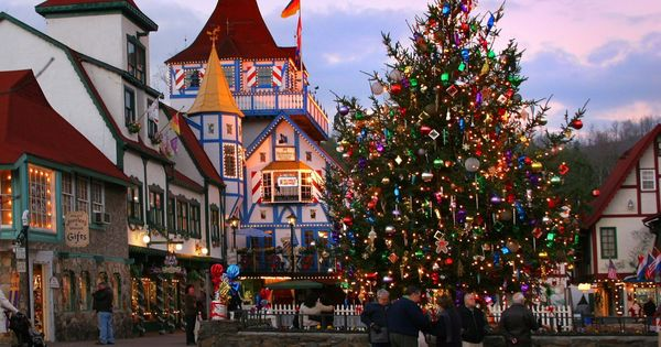 23 Of The Most Charming Christmas Towns In America Helen