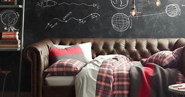 Pin de studio boache en decoration sof chesterfield for Decorar habitacion residencia universitaria