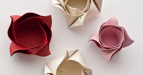 Origami Rose Box designed and folded by Maria Sinayskaya - photos, description