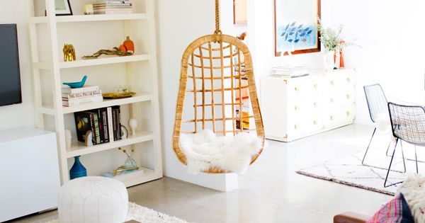 Hanging chairs vacation rentals spring and a house for Hanging chair spring