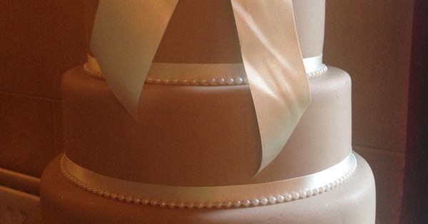 pearl ribbon for wedding cake vintage wedding cake cappuccino coloured icing and ivory 18167