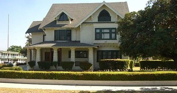 Six Feet Under House Fisher Diaz Funeral Home West Adams L A Taco Six Feet Under House Interior House Design