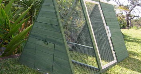Free Local Classified Ads Small Chicken Coops Chicken Coop Chickens Backyard