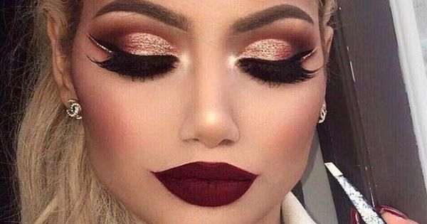 Crazy Brown And Rose Gold Cut Crease With A Dark Red Lip Makeup Mua Makeup Pinterest Dark Red Lips Red Lip Makeup And Cut Crease