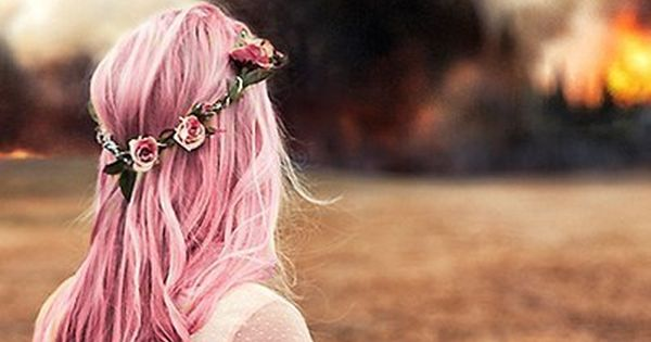 #hippy hipster photoshoot flower pinkshirt pink blond longhair hair curlyhair loosecurls