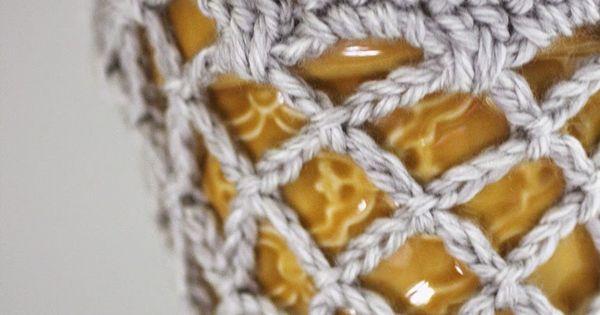 Crochet Hanging Flower Basket Pattern : Repeat Crafter Me: Crochet Flower Pot Hanging Basket ...