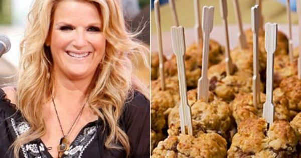 Country star 39 s thanksgiving appetizer southern for Trisha yearwood cheese straw recipe