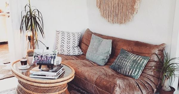 Boho living space love the leather couch bohobuys for Decoracion hogar instagram
