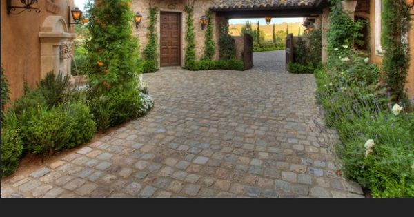 Tuscan style courtyard landscape outdoor for Tuscan courtyard landscaping