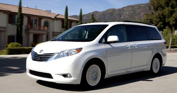 new 2015 toyota sienna reviews cars pinterest toyota. Black Bedroom Furniture Sets. Home Design Ideas