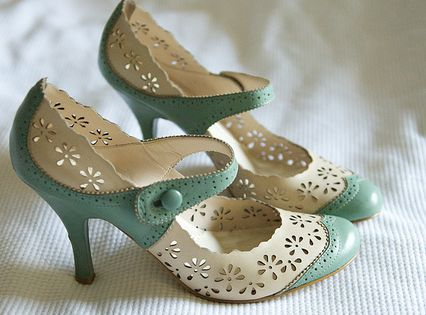 Mint green & white Mary Jane vintage style shoes from Ninewest