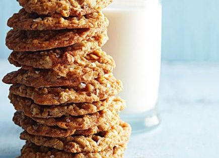 The Midwest's Best Cookie Recipes | Pecans, Oatmeal and Caramel